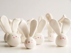 easy to make design polymer clay rabbits for easter gifts or decorations , you could even do it as a craft with the kids or make them from fondant icing as cake decorations or cupcake toppers cute kawaii little easter bunnies made in minutes Little Easter Bunnies by Hofficraft on Etsy