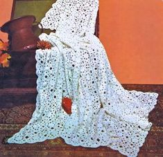 Vintage Crochet Pattern to make A Stunning Irish Lace Bedspread Blanket or Throw by A PDF for Immediate Digital Delivery Crochet Vintage, Vintage Knitting, Crochet Lace, Crochet Hooks, Crochet Doilies, Vintage Lace, Crochet Flowers, Crochet Bedspread Pattern, Crochet Blanket Patterns