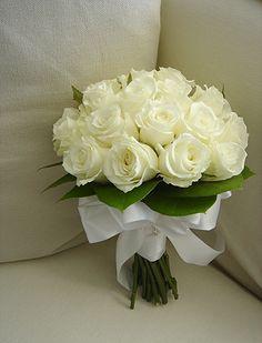Crystal Bouquet, Rose Bridal Bouquet, Corsage Wedding, Pink Bouquet, Floral Bouquets, Simple Wedding Bouquets, Diy Wedding Flowers, Bridal Flowers, Sunflower Wedding Decorations