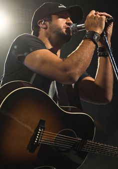 my future husband will have to get over the fact that i will always be in love with luke bryan. Country Men, Country Girls, Country Singers, Country Music, Country Artists, Shake It For Me, Bae, My Escape, Thats The Way