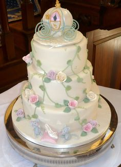 Rose Cascade Wedding Cake cakepins.com