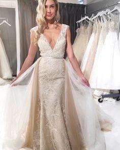 Elopement Wedding Dresses, Boho Chic Wedding Dress, Fit And Flare Wedding Dress, Classic Wedding Dress, Wedding Dress Trends, Fall Wedding Dresses, Summer Wedding, Detachable Wedding Dress, Wedding Dress Sleeves