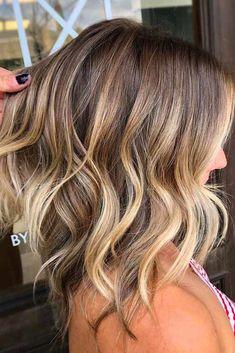 24 Brightest Medium Layered Haircuts to Light You Up - Hair Styles Hair Tutorials For Medium Hair, Medium Hair Styles, Curly Hair Styles, Hair Medium, Medium Brown, Brown Blonde Hair, Blonde Wig, Bleach Blonde, Grey Blonde