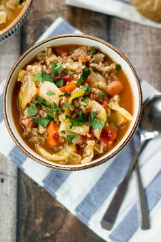 Looking for cabbage roll soup recipes? Here is an easy, delicious one! All of the flavor of homemade cabbage rolls without the hard work of rolling them. This cabbage roll soup hits the spot every time! Russian Cabbage Soup Recipe, Cabbage Soup Recipes, Meat Recipes, Savoury Recipes, Lunch Recipes, Vegetarian Recipes, Easy Cabbage Rolls, Cabbage Rolls Recipe, Pork And Cabbage
