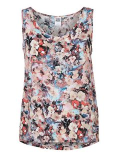 Floral top from VERO MODA. Perfect for summer! #veromoda #floral #fashion