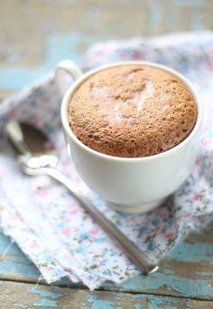 Mug cake light au café : www.fourchette-et… - Healthy Dessert Mug Recipes, Cupcake Recipes, Food Cakes, Cake Light, Cake Cafe, Vanilla Mug Cakes, Mug Cake Microwave, Keto Mug Cake, Cake Mug