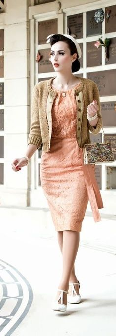 Love this lace dress