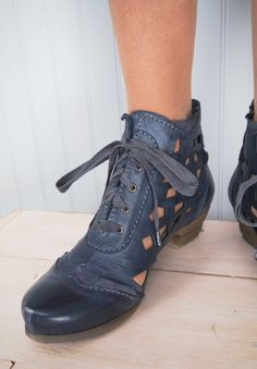 ROVERS LUPINE BOOT