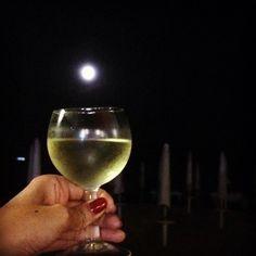 Non preoccuparti.  Se cadi ti prendo io.  #moon #glass #dinner #beach #fullmoon #wine #winelover #vermentino #me #hand #summer #amazing #sardegna