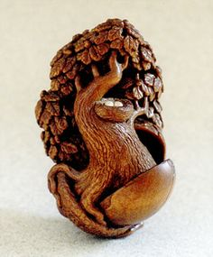potential  boxwood  4.3cm  year carved: 2002