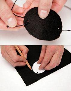 Cómo hacer un parche pirata: http://www.manualidadesinfantiles.org/parche-pirata/