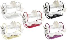 Featuring a removable drip tray and detachable utensil holder, this ergonomically designed dish drainer set is a convenient kitchen solution