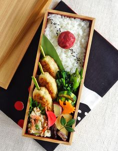 Tukune, chicken meatballs bento/鶏つくね弁当