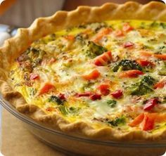This quiche was silky, filling, & delicious, but it made WAY too much for one deep-dish pie crust. Quiche Recipes, Veggie Recipes, Healthy Recipes, Veggie Food, Chicken Recipes, Quiches, Easy Dinner Recipes, Easy Meals, Savory Tart