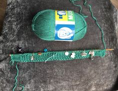 CHAQUETA VINTAGE PARA BEBÉ RAGLÁN OCHOS. TUTORIAL ( Punto dos agujas ) Baby Knitting, Shorts, Blog, Baby Set, Farmhouse Rugs, Baby Boy Knitting, Free Baby Knitting Patterns, Sweater Knitting Patterns, Baby Knits