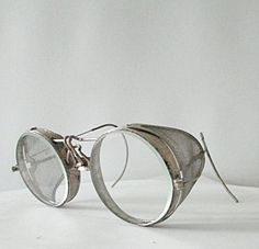 1920s Vintage Metal Motorcycle Goggles Driving Glasses Round with Mesh Safety Sides