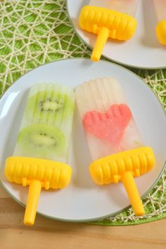 Honey Limeade Fruit Popsicles ~ and How to Suspend Fruit in Popsicles