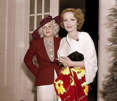 Rare colour candid of Marlene Dietrich and Jean Harlow about 1935. (please follow minkshmink on pinterest)