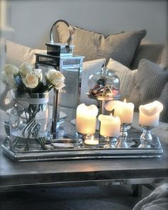 A coffee table as a standalone piece of furniture that completes the living room and makes it look good. Table Style, Decor, House Interior, Living Room Decor, Apartment Decor, Decorating Coffee Tables, Tray Decor, Coffee Table Styling, Table Decorations
