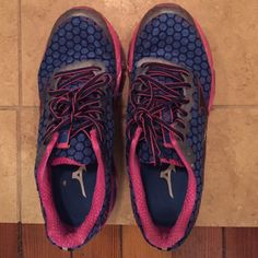 Pre-loved Mizuno Wave prophecy shoes Pretty running/ athletic shoes. Pink and blue combo. Mizuno Shoes Athletic Shoes