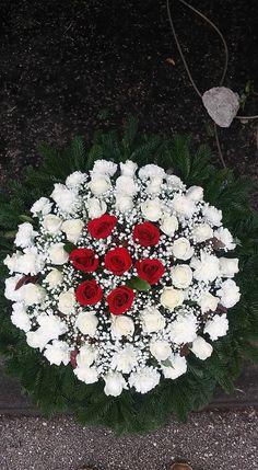 Grave Flowers, Funeral Flowers, All Flowers, Pretty Flowers, Christmas Arrangements, Floral Arrangements, Tire Garden, Terrarium Plants, Ikebana