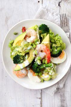 'I Got the Power' Salad: broccoli, edamame, avocado & shrimp with sesame dressing. Paleo without the edamame. Healthy Salads, Healthy Eating, Healthy Recipes, Healthy Food, Skinny Recipes, Food For Thought, I Love Food, Good Food, Yummy Food