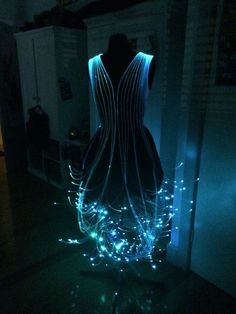 Robe avec des cables de fibre optique