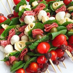 Antipasto skewers: easy to make and perfect for any occasion. These antipasto sk… Antipasto skewers: easy to make and perfect for any occasion. These antipasto skewers are excellent appetizers for parties, picnics, and more! Skewer Appetizers, Skewer Recipes, Appetizers For Party, Appetizer Recipes, Antipasto Recipes, Catering Recipes, Recipes Dinner, Catering Ideas, Food For Parties