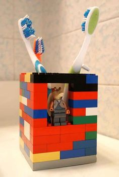 DIY a totally winning toothbrush holder out of Lego bricks…