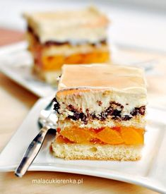 Cheerful translucent with apricots, Nutella and custard Polish Desserts, Polish Recipes, Cookie Desserts, No Bake Desserts, Cookie Recipes, Polish Cake Recipe, Layered Desserts, Yummy Food, Tasty