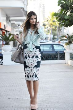 Now I know what to wear with that lace pencil skirt ;)