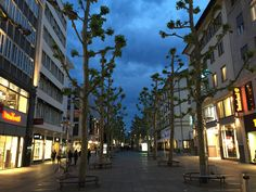 Die Königstraße in Stuttgart by Valdet Beqiraj on 500px
