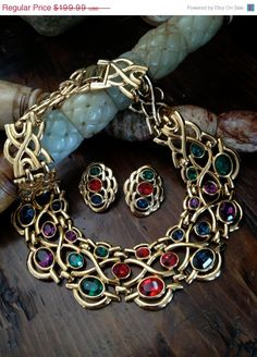 Gorgeous Vintage Napier Necklace/Collar and Earrings