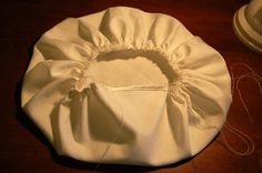 This is a tutorial for the third and last part of the Kitchen Ensemble  playwear - the chef's hat. No pleats in the crown of this one, tho...