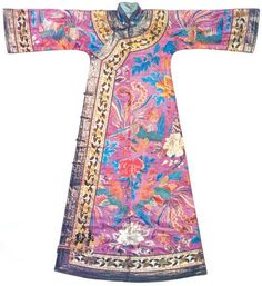 Chang Pao from China The chang-pao is a one-piece garment extending from the shoulders all the way to the heels.