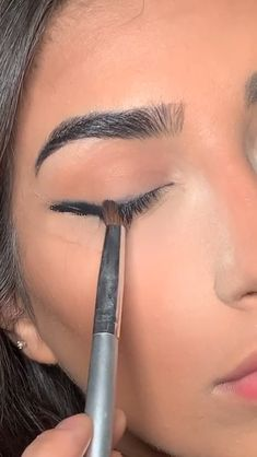 Makeup Artist Tips, Eyebrow Makeup Tips, Makeup Eye Looks, Smokey Eye Makeup, Cute Makeup, Gorgeous Makeup, Glam Makeup, Skin Makeup, Makeup Inspo