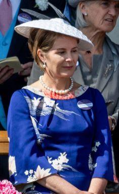 June 21, 2018 in Stephen Jones | Royal Hats