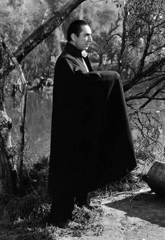 Bela Lugosi as Dracula. Classic Monster Movies, Classic Horror Movies, Classic Monsters, Classic Hollywood, Old Hollywood, Lugosi Dracula, Famous Monsters, Scary Monsters, Vampire Pictures