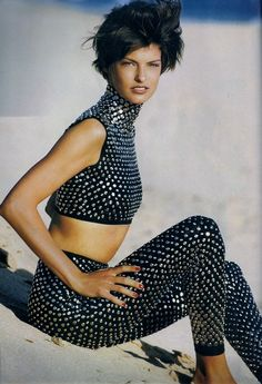 Linda Evangelista By Photographer Patrick Demarchelier For Vogue UK, 1990