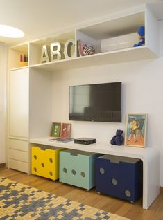 Here is LEGO, and its own character's color can create the space that does not seem dull. You do not have to be a child to play with Legos though it's somewhat odd to watch an adult.read more>>> 44 Shocking DIY Lego Themed Bedroom For Kids Room Ideas