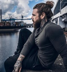 40 Perfect Braided Hairstyles for Men - Machovibes Man Bun Styles, Hair And Beard Styles, Long Hair Styles, Long Hair Beard, Mens Braids Hairstyles, Sexy Beard, Photography Poses For Men, Hommes Sexy, Beard Tattoo