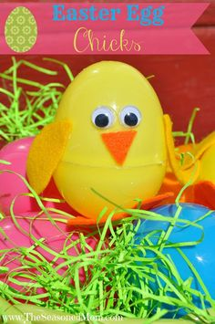 Cute Easter Kids Craft Roundup on OneCreativeMommy.com {Easter Egg Chicks Craft and more}
