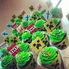 Planning a kids' party? How about a Minecraft-themed party? I've pulled together lots of fun ideas for Minecraft fans to help you plan the perfect event. Let's party! Mine Craft Party, Bolo Mine Craft, Minecraft Cupcakes, Minecraft Birthday Cake, 6th Birthday Parties, Birthday Cupcakes, Birthday Fun, Birthday Ideas, Party Cupcakes