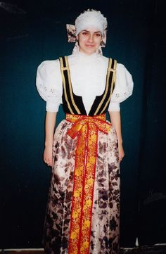 Folk Costume, Costumes, The Incredibles, Culture, Illustration, Art, Fashion, Art Background, Moda
