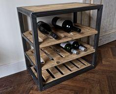 Wijnrek van RAW staal en hout Metal Furniture, Unique Furniture, Industrial Furniture, Custom Furniture, Furniture Design, Wood Bar Table, Wine Rack Plans, Home Pub, Do It Yourself Furniture
