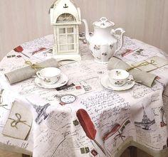 Nakładka lub mały ciekawy obrus na stolik lub ławę. Modny rustykalny wzór, do tego wykończenie z szarej siatki lnianej.