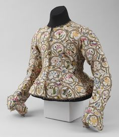 Women's embroidered jacket, Linen worked with silk and metal thread, spangles. Metropolitan Museum, New York. 17th Century Clothing, 17th Century Fashion, 18th Century, Historical Costume, Historical Clothing, Modern Clothing, Vintage Clothing, Women's Clothing, Vintage Outfits