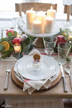 Christmas Tablescape An easy Christmas Tablescape with pomegranates oranges candles fresh greenery and vintage striped inspired linens. Quick table ideas for elegant holiday entertaining. Source by theexchange Christmas Brunch, Christmas Tablescapes, Simple Christmas, Christmas Home, Christmas Holidays, Christmas Decorations, Christmas Kitchen, Merry Christmas, Christmas Recipes