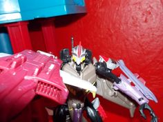 Transformers Prime Beasthunters Starscream Hasbro 2012 (French toy review)