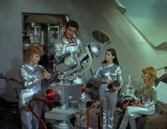 "Lost in Space Season 3 Episode 4 ""Hunter's Moon"" Space Tv Shows, Lost In Space, Beauty Shots, Scene Photo, Behind The Scenes, Photo Galleries, Nostalgia, It Cast, In This Moment"